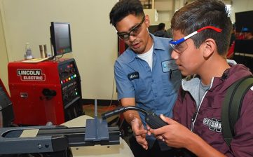 Building the Next Generation of Modern Manufacturers Starts with MFG Day